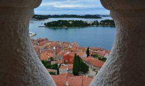 Uitzicht over eilanden bij Rovinj