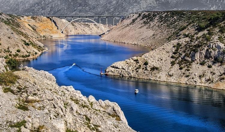 Prachtige Zrmanja rivier in Kroatië