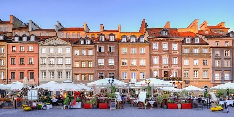 Kleurrijke huizen Warschau