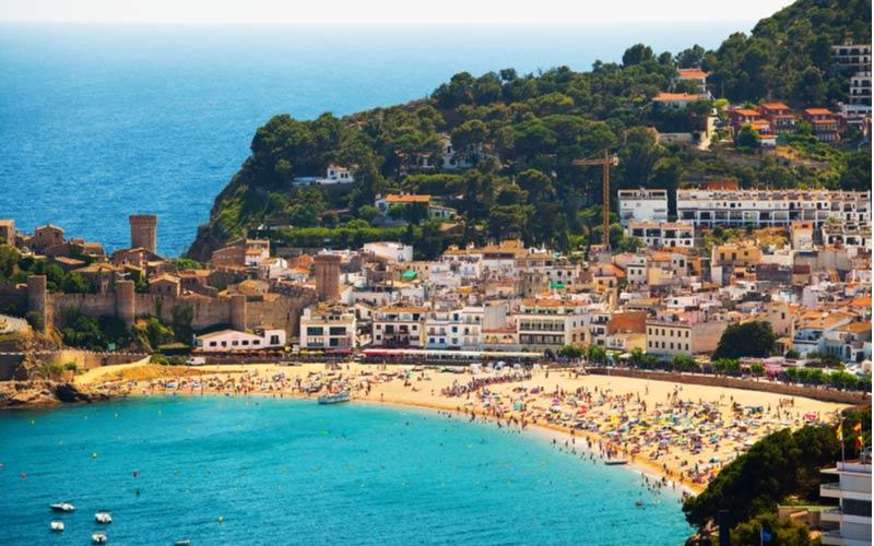 Het strand Platja la mar menuda in Tossa de Mar