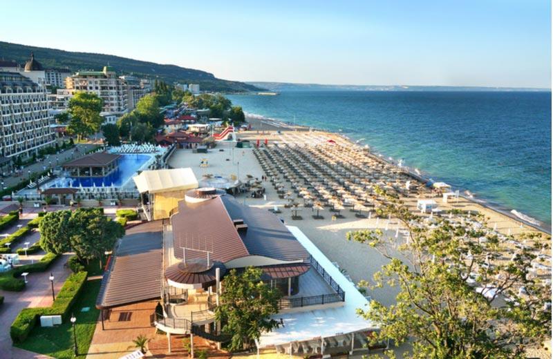 Resorts in Sunny Beah aan strand