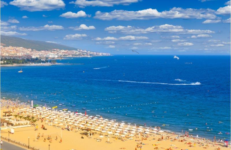 Strand aan Zwarte Zee in Sunny Beach