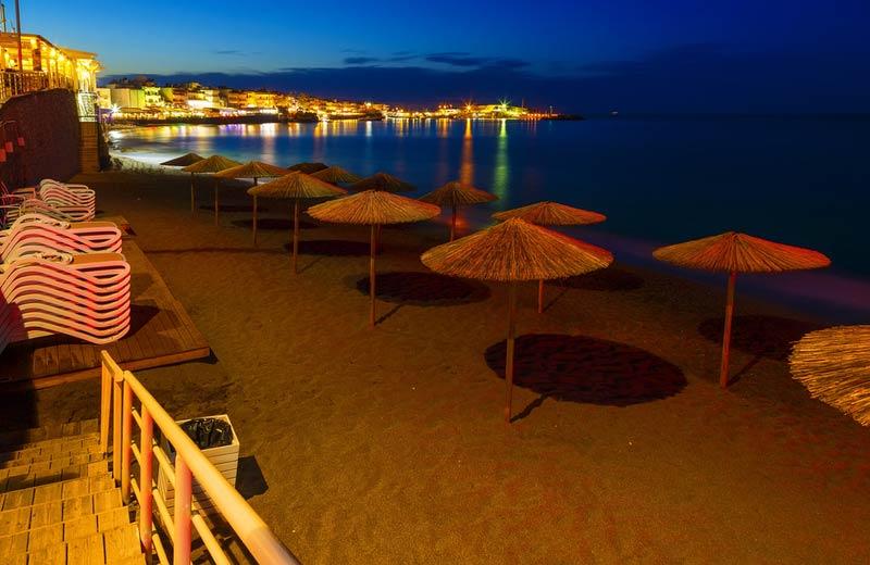 Strand Chersonissos in de avond