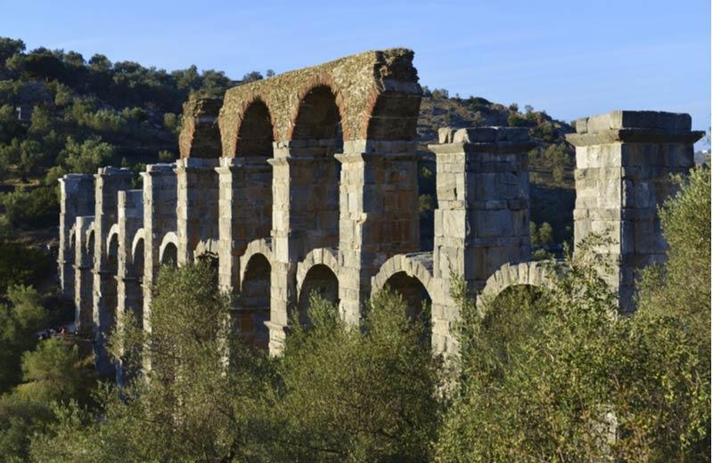 Moria aquaduct bezienswaardigheid op Lesbos