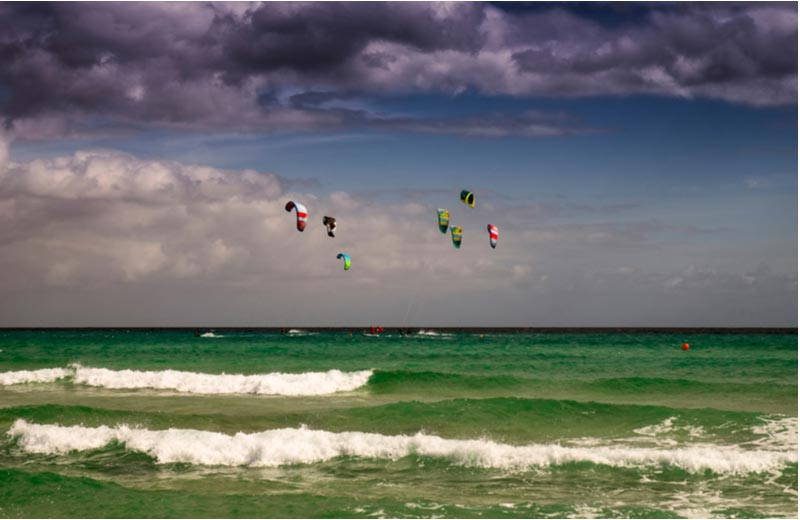 Kite surfen op Playas de Sotavento in Costa Calma