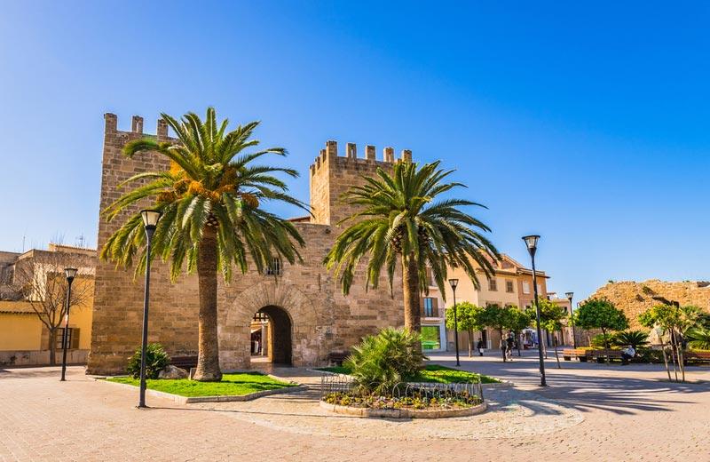 Porta del Moll in Alcudia Mallorca