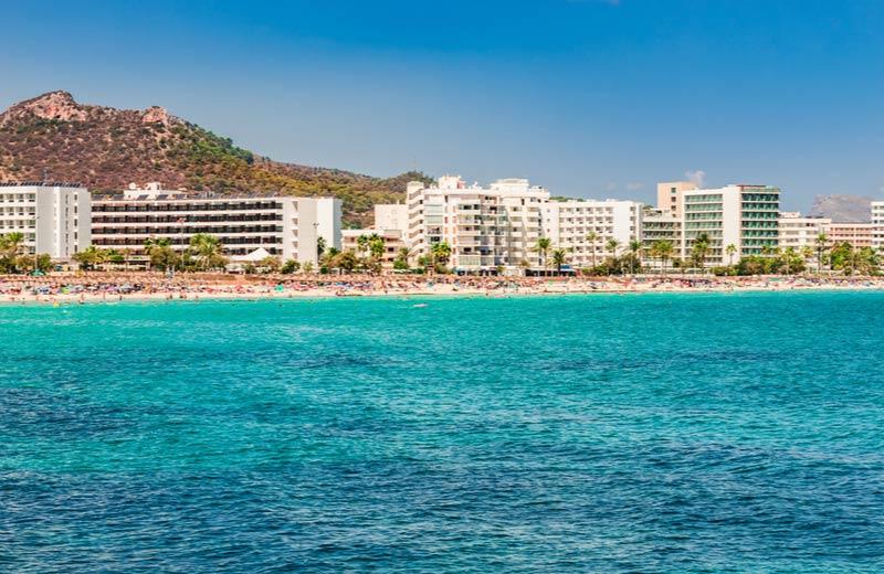 Resorts aan het strand in Cala Millor