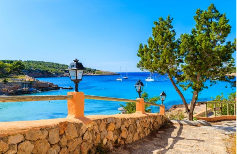 Wandelpad kustlijn in Portinatx Ibiza