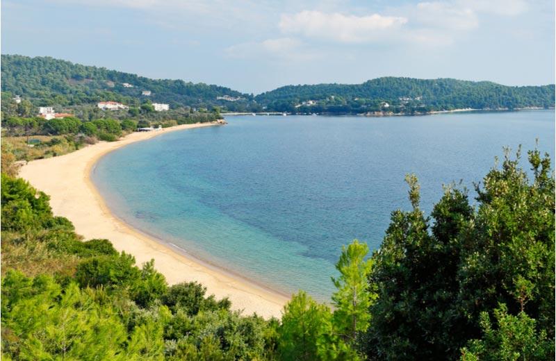 Strand Agia Paraskevi op Skiathos