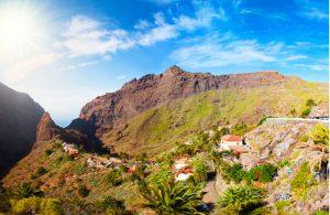 Het dorpje Masca tussen de bergen