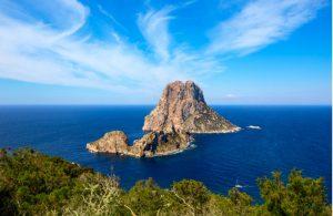 Het eiland Es Vedra naast Ibiza