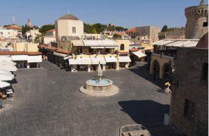 Het Hippocrates plein in Rhodos-Stad