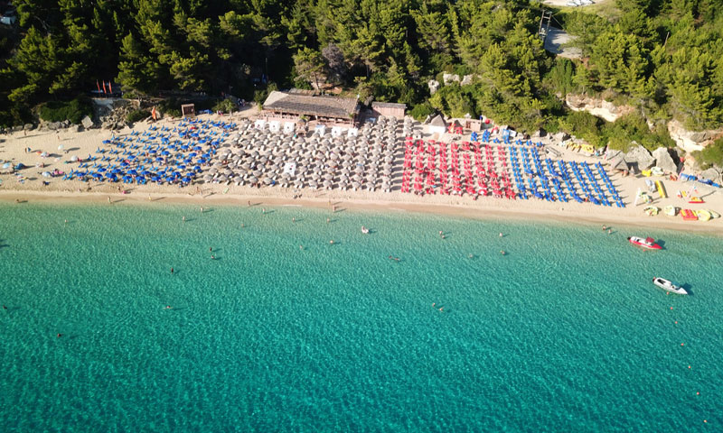 Makris Gialos beach in Lassi