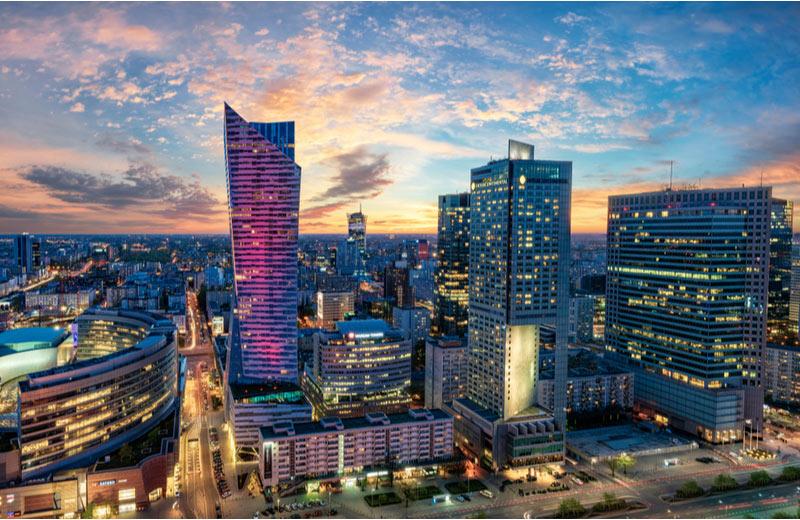 Moderne zakencentrum van Warschau