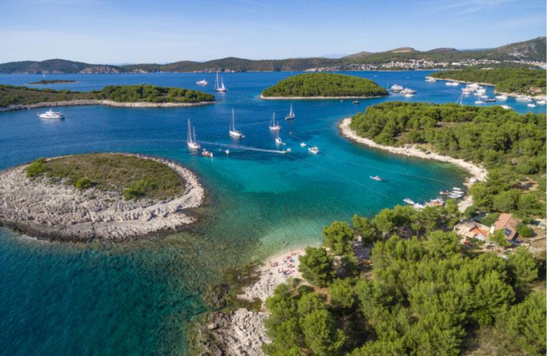 Pakleni eilanden voor kust van Hvar
