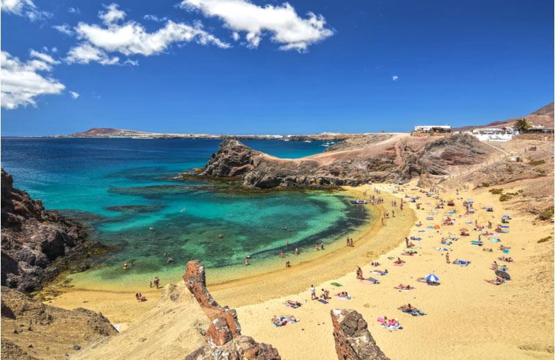 Het strand Papagayo beach op Lanzarote