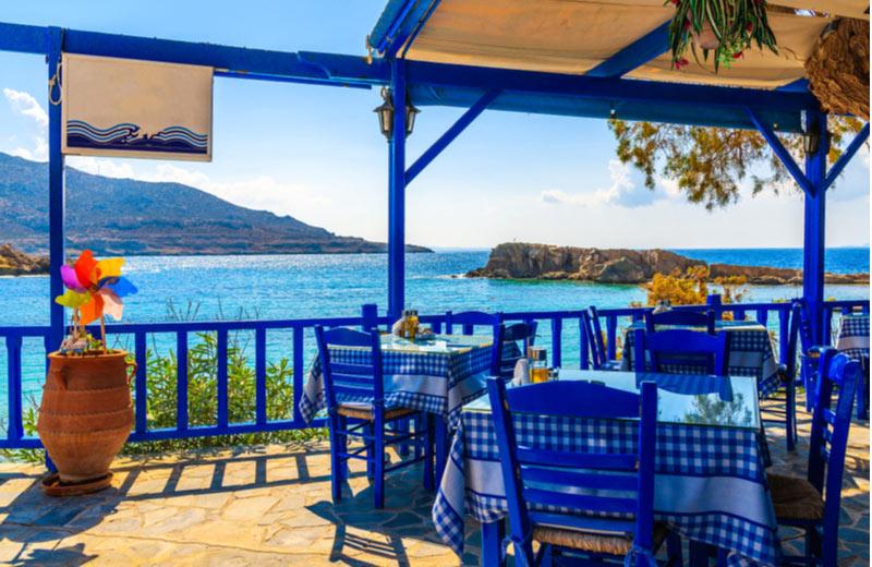 Mooi restaurant aan water in Lefkos