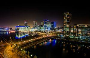 Uitgaan in Manchester in de avond