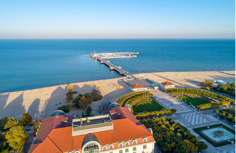 Het strand Sopot beach dichtbij Gdansk