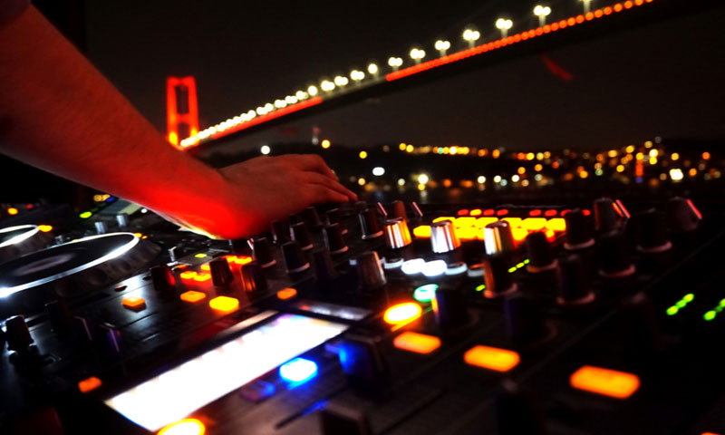 Uitgaan aan de Bosphorus Bridge