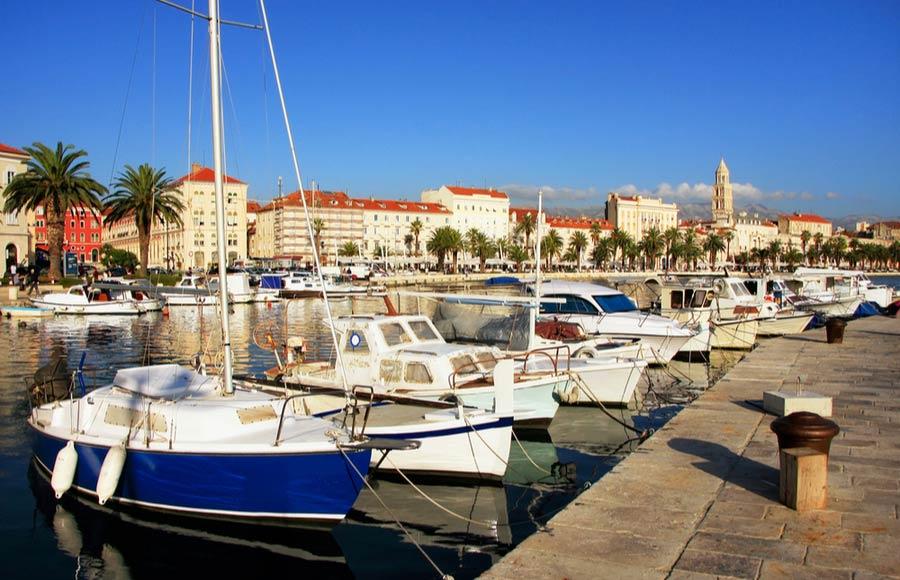 Boten in de haven van Split