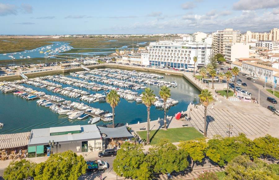 De haven van Faro