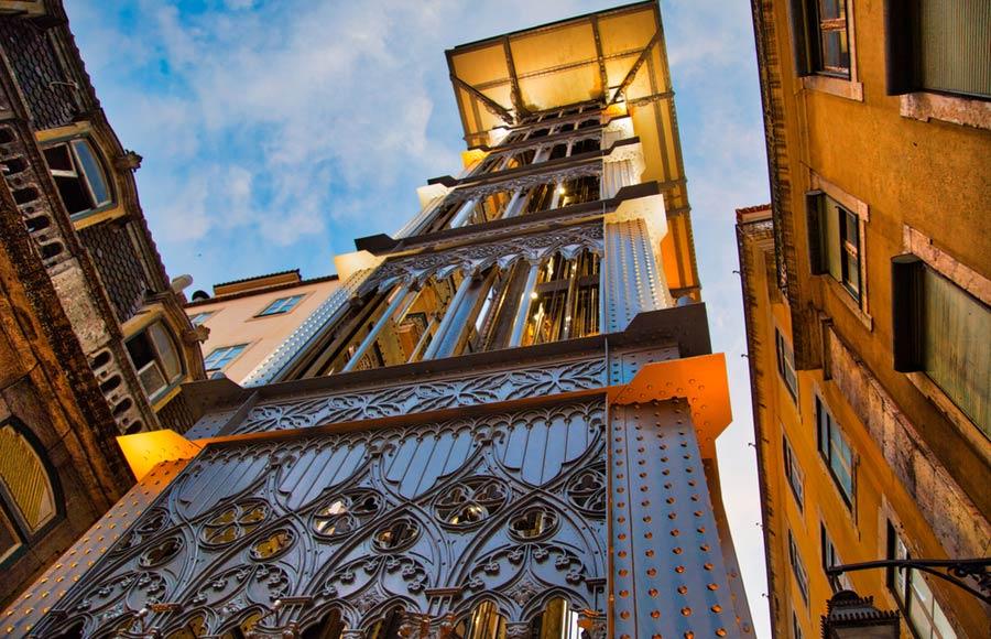 De ijzeren lift Santa Justa