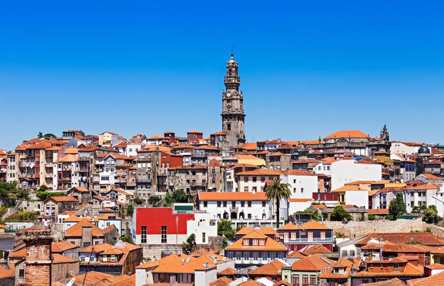 Torre dos Clérigos in Porto