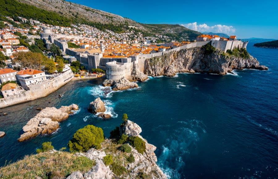 Dubrovnik met oude stadsmuren