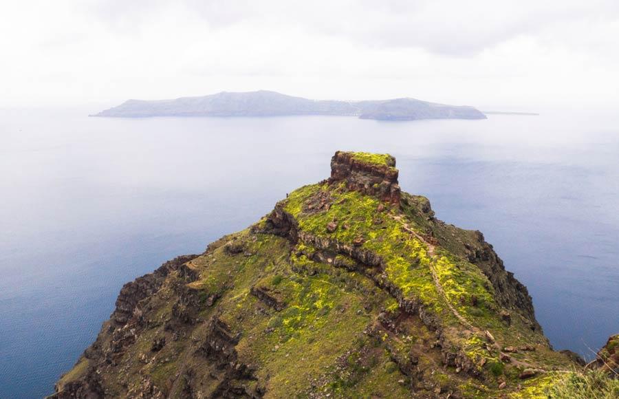 Fort Skaros op de rots op Santorini
