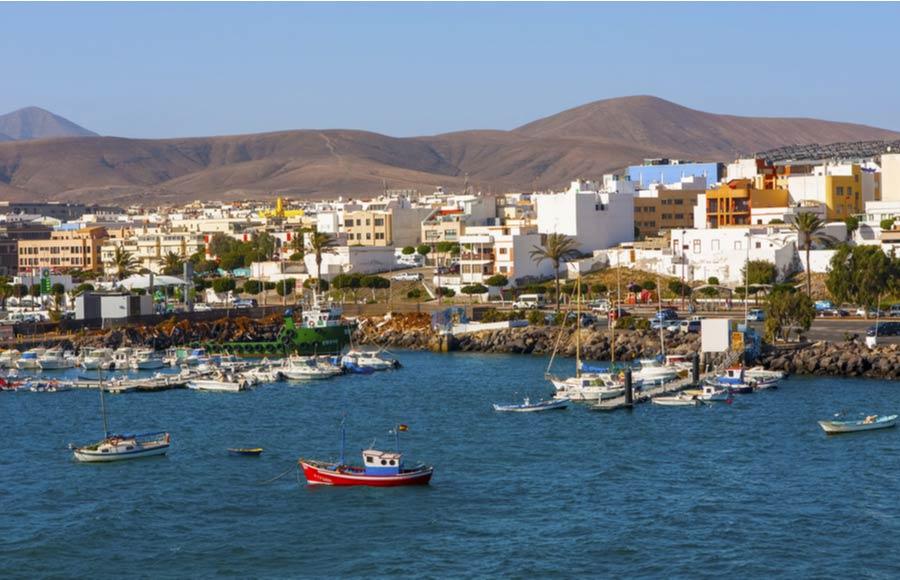 De haven in Puerto del Rosario