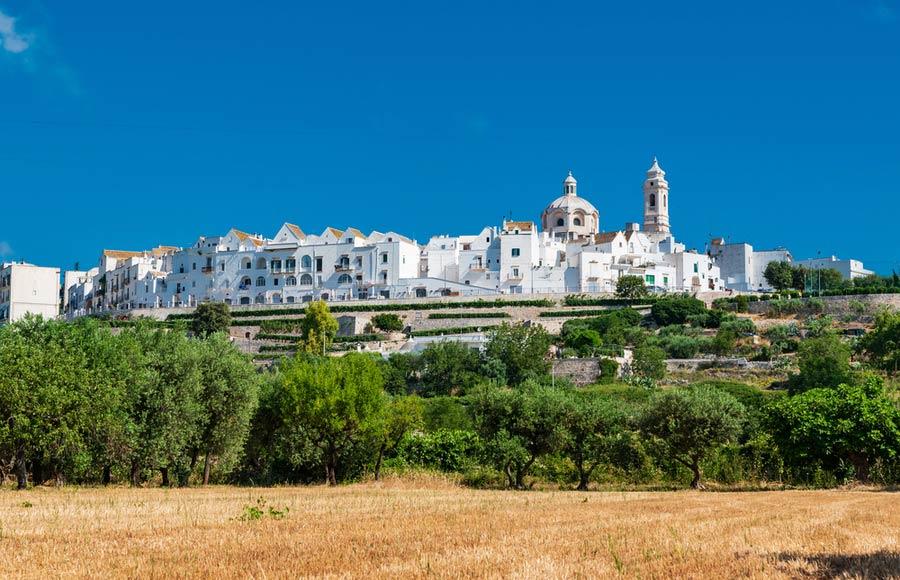 Het plaatsje Locorotondo in Puglia
