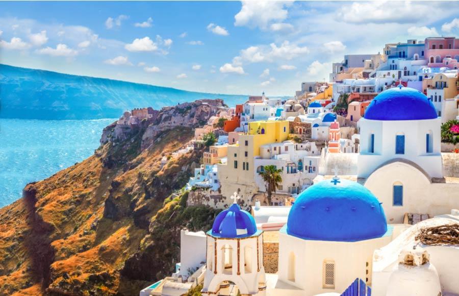 Kleurrijke huizen Oia