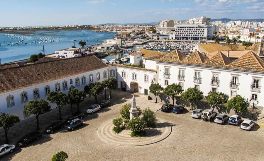 Largo da se plein in het centrum van Faro