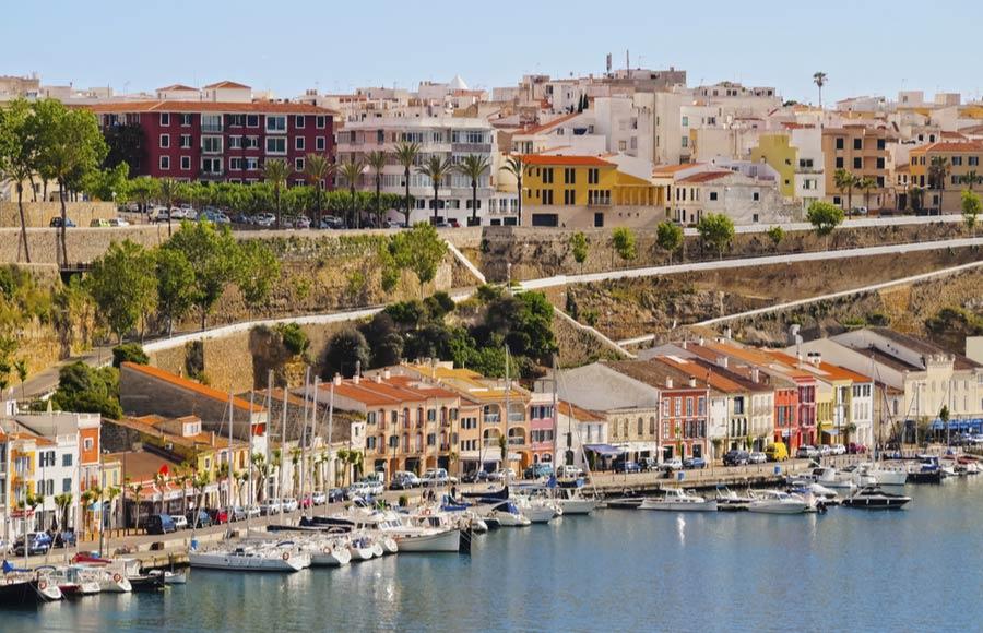 De hoofdstad Mahón van Menorca