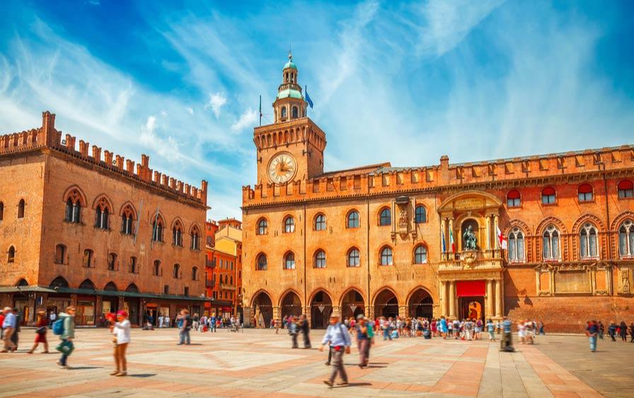 Plein Piazza Maggiore van Bologna