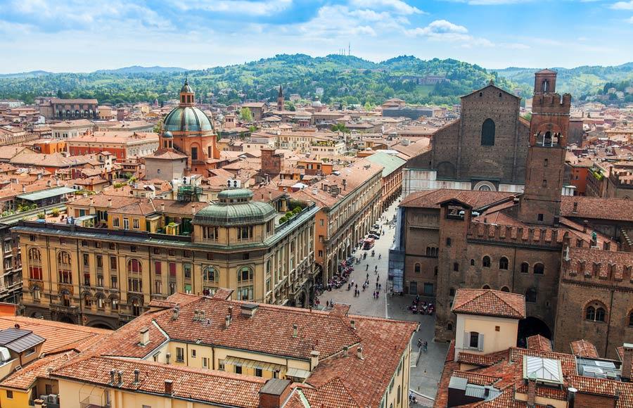 Stedentrip of vakantie naar Bologna in Italië
