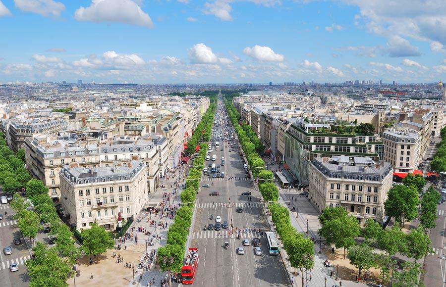 Straat Champs-Élysées in Parijs