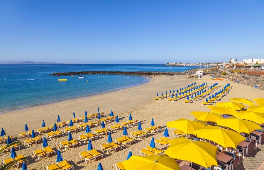 Het strand Playa Blanca beach