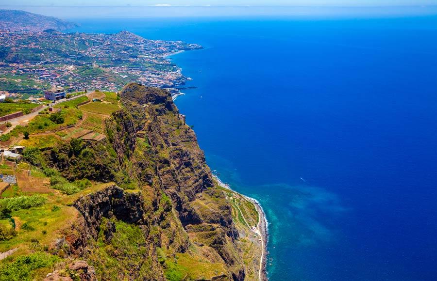 Uitzicht van de klif Cabo Girao