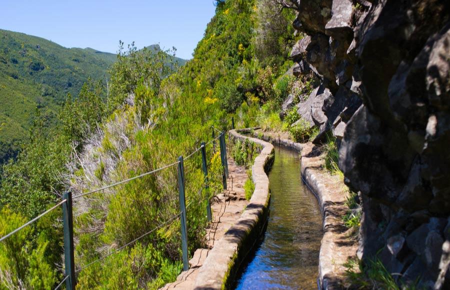 Wandelroutes langs de Levadas